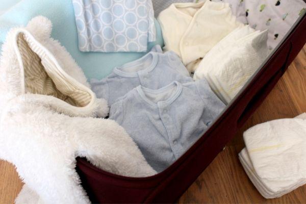 ropa de bebé para el hospital
